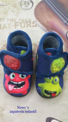 Zapatillas Ani monstruos