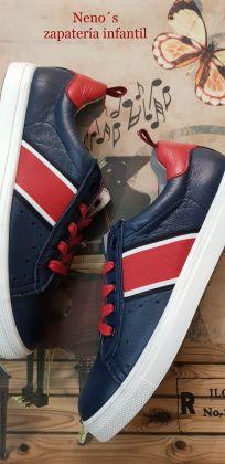 Zapatos Acebos cordones rojo