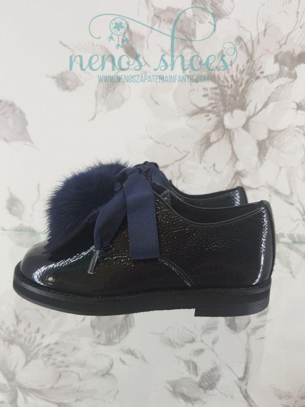 On line compra ya tus zapatos de niña de la marca Landos en Nenos 1c5e6cd6b8b